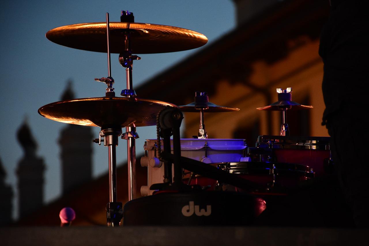 Livemusik in uriger Clubatmosphäre
